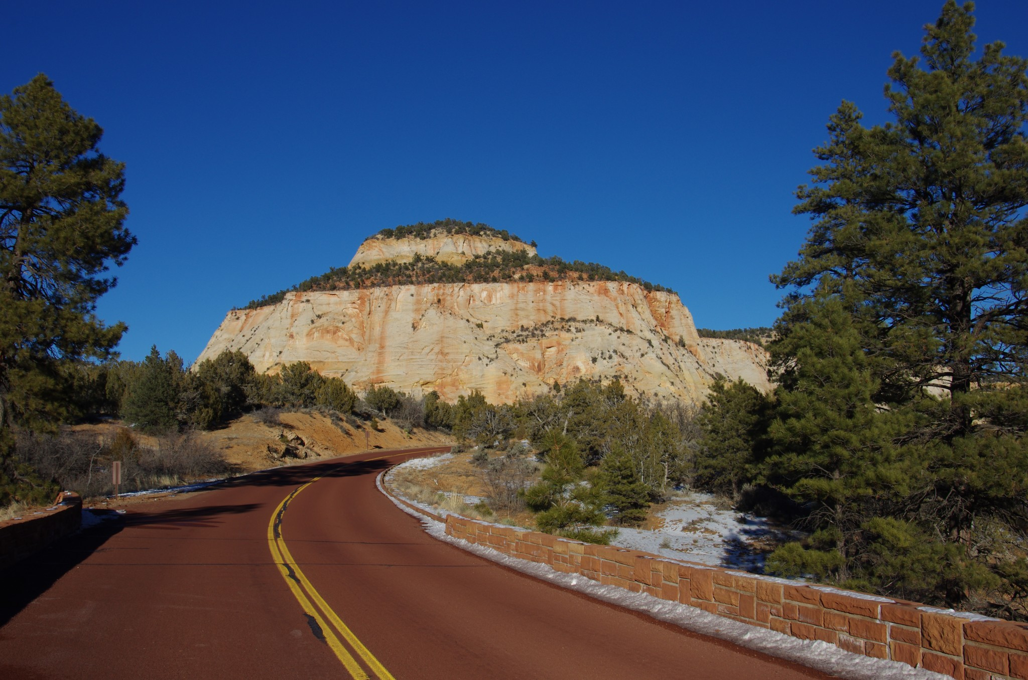 Hwy-9 Scenic Drive Through Zion NP, UT
